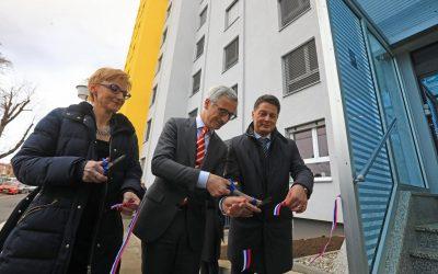 """Članek v Večeru – MariborskiDijaški dom Lizike Jančar po 42 letih dočakal prenovo: """"Danes je dan, ko so se izpolnile dolgoletne sanje"""""""
