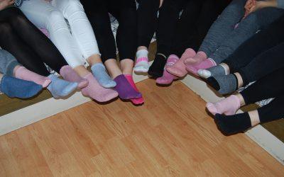 Obuli smo dve različni nogavici
